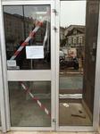 Remplacement des paumelles sur porte d'entrée d'immeuble